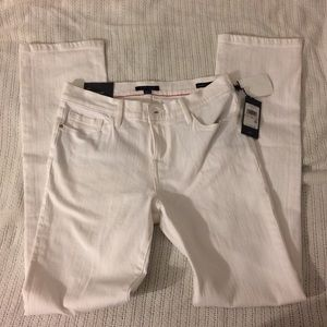 White Tommy Hilfiger jeans - size 6 (NWT)